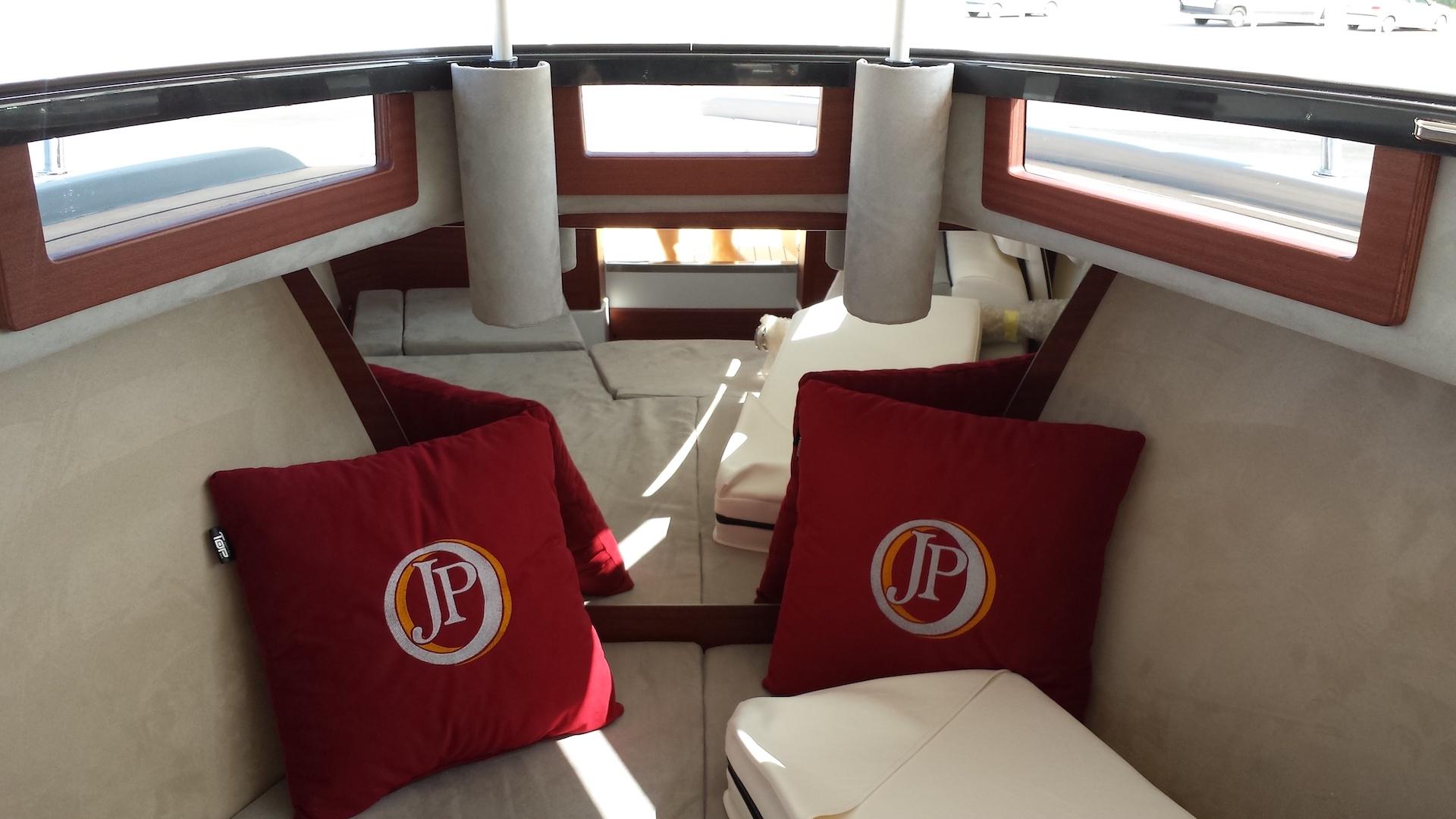 23-cabin-luxury interior